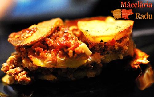 Musaca de cartofi si carne tocata